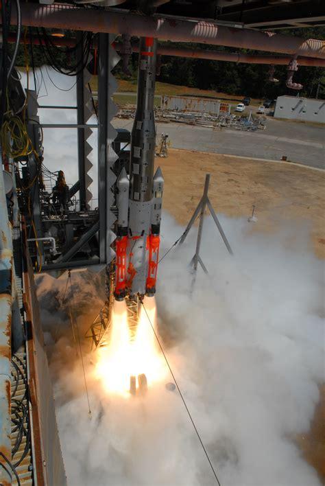 sls swings engine test stands