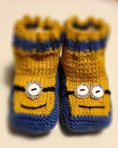 knitted minion slippers minions and despicable me knitting patterns in the loop