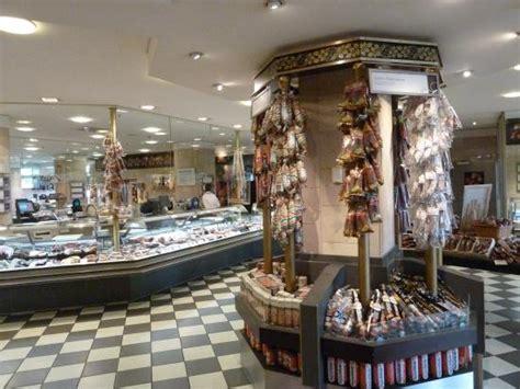 fleisch und wurstabteilung picture  kadewe  floor