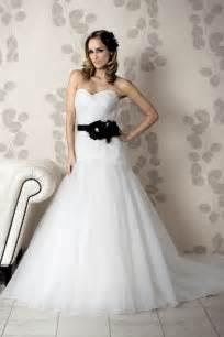 Imagenes De Vestidos De Novia A La Moda | lo mejor de la moda en vestidos de novia para verano 2