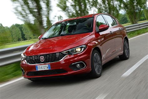 fiat hatchback fiat tipo hatchback review pictures carbuyer