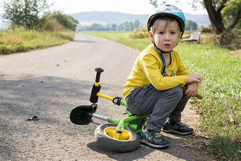 Kind Zerkratzt Auto by Das Zerkratzte Auto 214 Rag Rechtsschutzversicherung