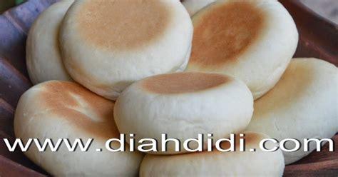 diah didi s kitchen tips membuat roti dengan bread maker diah didi s kitchen tips menguleni adonan roti atau donat