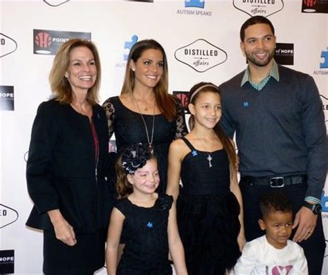 deron williams and wife spread holiday cheer atlnightspots