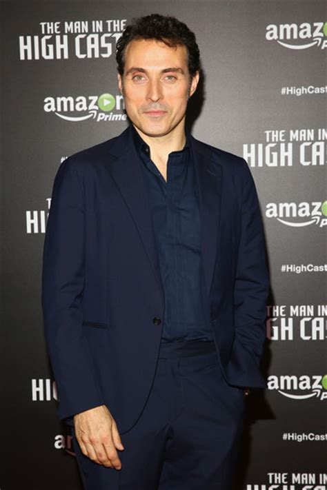 rufus sewell new series rufus sewell photos photos the man in the high castle