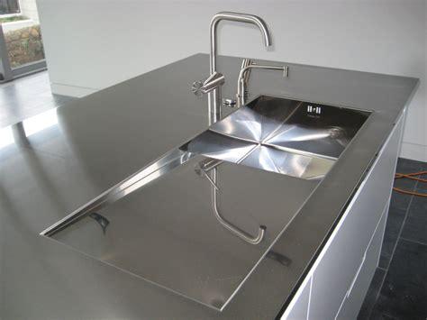encimera inox foto encimera de acero inoxidable gris de elenatorrente