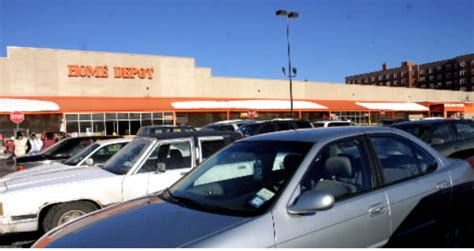 3 charged with stealing more than 1 000 from home depot