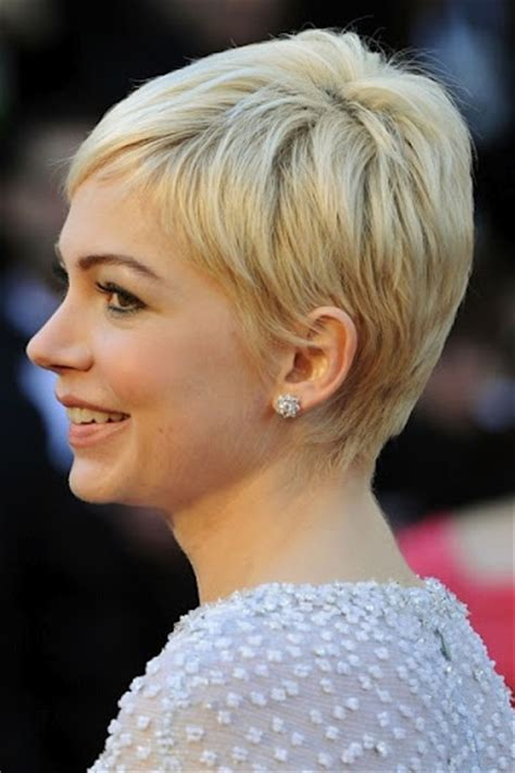 what did rhe pull back hairdos on michelle obama this is cute michelle williams pixie cut side short