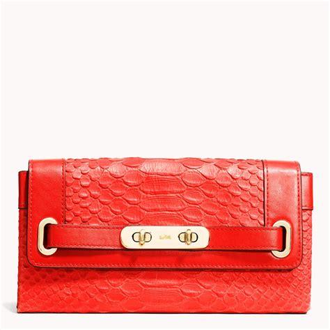 popular coach  wallet  women  blog