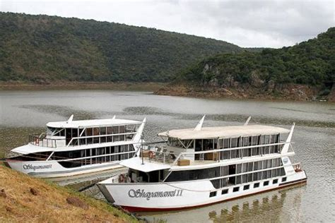 boat house accommodation shayamanzi houseboats lake jozini pongolapoort dam