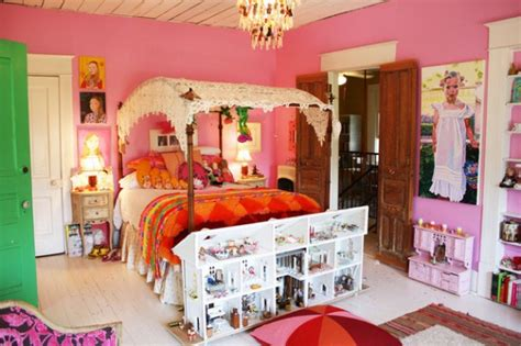 austin doll house an artist s bold and colorful house in austin hooked on