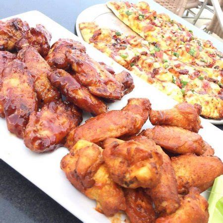 round table wing round table pizza wings brokeasshome com