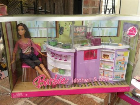 BARBIE MY HOUSE KITCHEN & DOLL PLAYSET TERESA 2007 *NEW