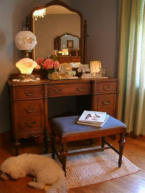 vanity bedroom furniture 17 best images about desk and vanity s on pinterest vanities dressing tables and bedroom