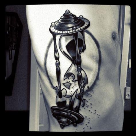 broken hourglass tattoo 40 hourglass tattoos ideas