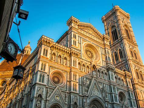 piazza santa fiore i monumenti di piazza duomo a firenze che bellezza