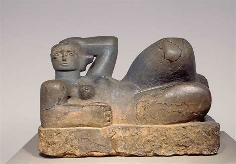 reclining figure by henry moore henry moore reclining figure 1929 museum
