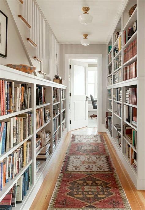 decorar pasillos con estanterias 1001 ideas sobre c 243 mo decorar un pasillo largo