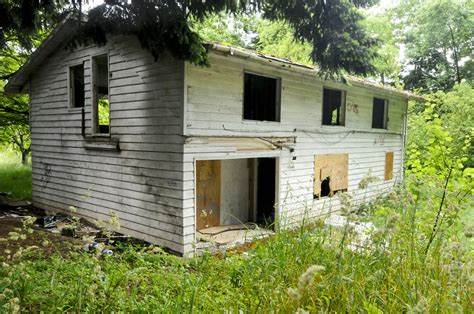 how to buy abandoned houses how to buy a vacant house 28 images detroit launches auction website to help sell