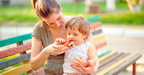 los primeros alimentos solidos del bebe padres dibujosnet