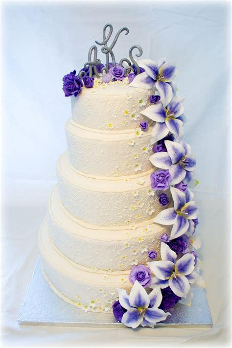 Hochzeitstorte Lila Blumen by Wedding Cake With Purple Flowers Cakecentral