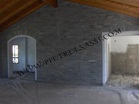 pietra da interno su muro muri in pietra pietreesassi