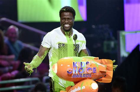 kevin hart chicago ghostbusters kevin hart win big at kids choice awards