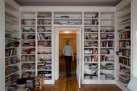 lade con piedistallo libreria con vetrina ikea libreria con ante