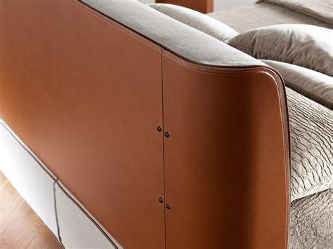letti in cuoio letto design cuoio cinturato letti a prezzi scontati