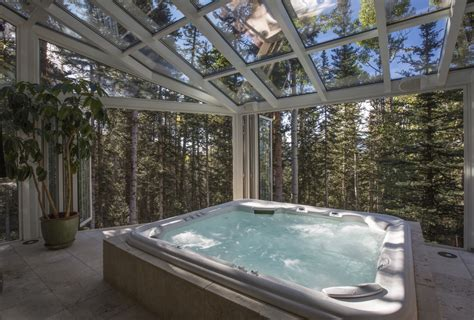 oprah s lavish treehouse the savvy