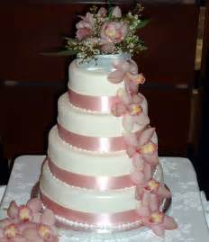wedding cake on a budget types of budget wedding cakes