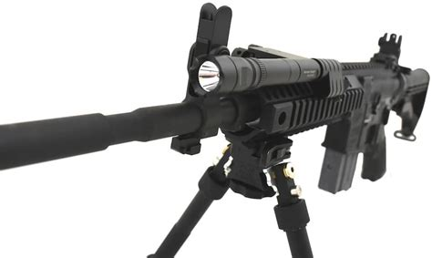 Law Enforcement Trade Show Giveaways - colt drops first line of handheld and mounted weapon lights gat daily guns ammo
