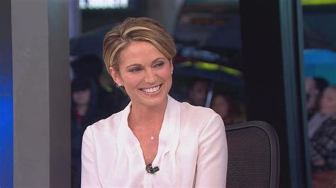 news casters short hair cuts amy robach takes over as news anchor for josh elliott on