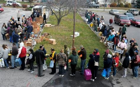 Salvation Army Food Giveaway - salvation army hands out more than 9 000 pounds of food mlive com