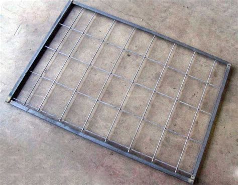 swing door hog trap plans round hog trap building plans traps pinterest