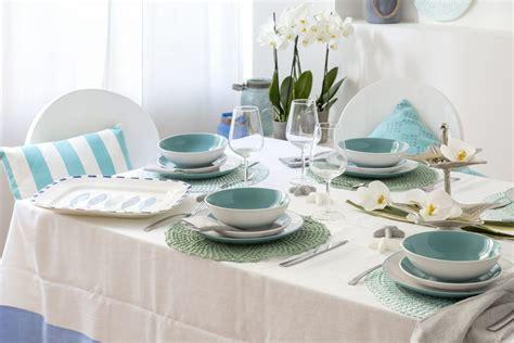 immagini tavola apparecchiata la tavola apparecchiata si tinge di azzurro www stile it