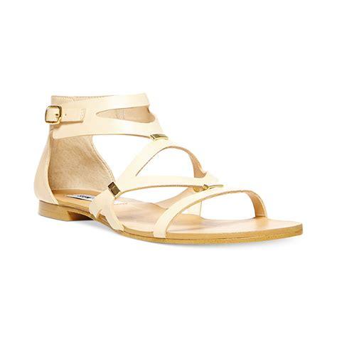 steve madden sandals flat steve madden womens commma flat sandals in beige cognac