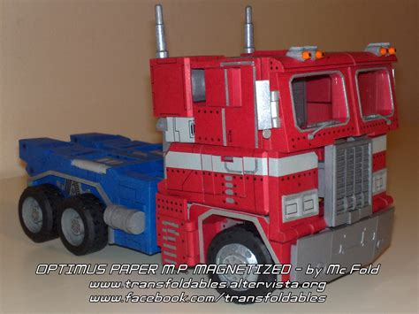 Papercraft Blogs - transformers papercraft that really transforms