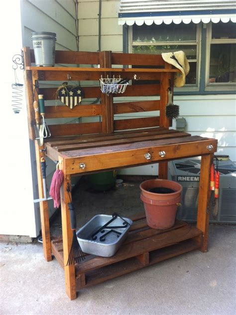 pallet potting bench pin by suki sanford on gardening ideas pinterest