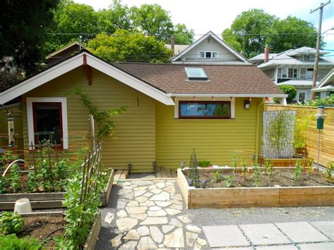 small backyard cottages pdx eco cottage jack barnes architect small house bliss