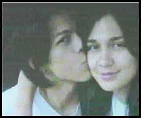 indonesian luna maya cut tari and nazril ariel facebook indonesian scandal nazril ariel peterpan luna maya and