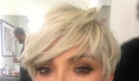 blonde hairstyles instagram kris jenner goes platinum blonde again see the pic