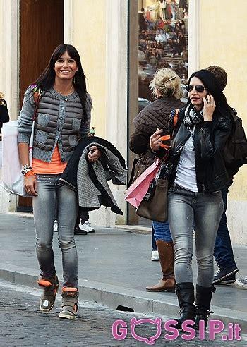 ministro ottomano passeggiata all insegna dello shopping a roma per