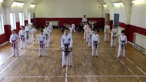 youtube taekwondo pattern 5 junior taekwon do class pattern saju jirugi youtube