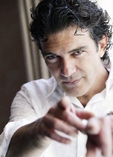 latin men hair styles the latin look with antonio banderas hairstyles cool men