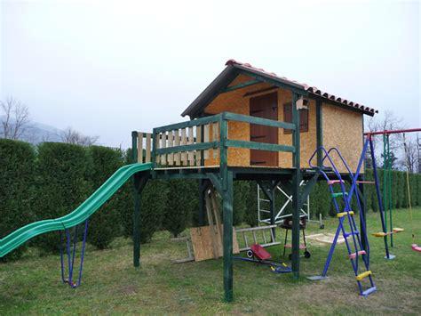 Fabriquer Une Cabane En Bois Pour Enfant by Plan Fabrication Cabane Pour Enfants Planches De Bois