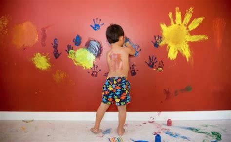 disegni sui muri interni di casa disegni su pareti stanzetta dei bambini