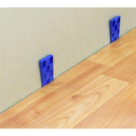 SET TAK TIK   A complete set for installing laminate