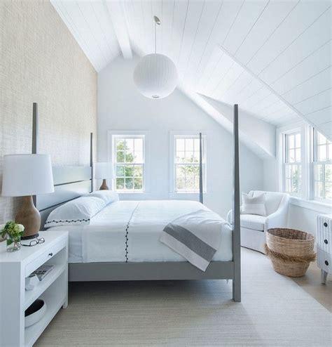 sloped ceiling bedroom best 25 sloped ceiling ideas on pinterest sloped