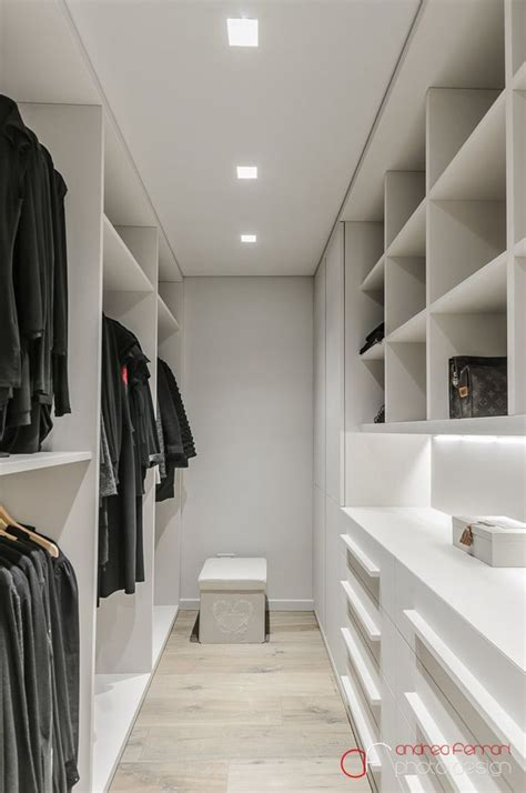 Narrow Closet Ideas by Best 25 Narrow Closet Ideas On Master Closet Layout Makeup Storage Myer And